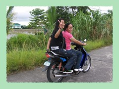 Girls on a bike (JUST THE PHILIPPINES) Tags: girl asian asia pretty philippines manila filipino filipina garcia pinoy calapan dose valenton batino