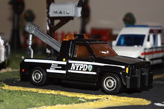Matchbox NYPD Chevy Wrecker (car show buff1) Tags: new york b chicago classic ford sedan truck fire chief models engine police nypd utility brush monaco international dash bmw dodge pierce series squad 13 mack command charger hazard pursuit diorama collectibles matchbox dept speedway 2010 seagrave interceptor diecast f550 2015 workstar