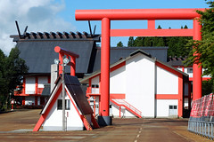 (Yorozuna / ) Tags: red color shrine niigata  torii  vermilion nagaoka      inarishrine     pentaxautotakumar55mmf18    houtokusaninaritaisha houtokusaninarishrine
