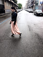 Gray day (Dadie Bradshaw ~) Tags: milan girl rain fashion walking cool shoes italia day grigio walk milano gray korean be hm pioggia ragazza giorno camminare bershka fashiongirl camminando fashionblogger tobecool fashiolnblog tobefashion