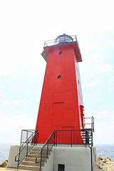 029Aa Manistique Lighthouse close up (jgagnon63@yahoo.com) Tags: lighthouse up michigan lakemichigan upperpeninsula uppermichigan redlighthouse manistique schoolcraftcounty manistiquelighthouse canonsl1 manistiqueeastbreakwaterlightstation