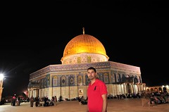 Brother and lion @mahmoudmoutan of Jerusalem (TeamPalestina) Tags: heritage beautiful architecture sunrise hope amazing photographer sweet palestine jerusalem domeoftherock blockade ramadan freepalestine alaqsa palestinian occupation goldendome  oldcityjerusalem landscapecaptures