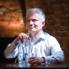 Thomas Kuuttanen (serenaseblu ) Tags: vodka turin purity themaddog kuuttanen