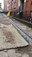 20160616_165747 (Carol B London) Tags: tarmac courtyard charcoal e1 wedge sgc ids stepney londone1 stepneygreen newlayout newsurface charcoalbricks steneygreencourt wedgeengineering