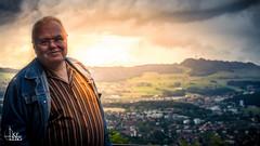 Sunset Portrait (Ukelens) Tags: light sunset shadow portrait sun lights schweiz switzerland licht shadows sonnenuntergang suisse swiss bern sonne schatten sunbeam sonnenstrahl lighteffects lichter lightroom lighteffect sonnenschein sunstream lichteffekte lichteffekt berncity ukelens