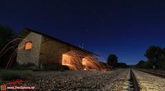 Trabajos nocturnos en Robledo (Luis Corts Zacaras) Tags: lana noche via estrellas estacion nocturna acero ferrocarril renfe robledo sanabria cargadero adif