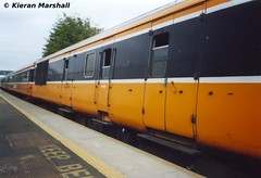 5607 at Maynooth, 21/8/03 (hurricanemk1c) Tags: 2003 irish train rail railway trains railways maynooth scannedphoto irishrail mark2 brel iarnrd 5607 ireann egv iarnrdireann 1335connollysligo electricgeneratingvehicle