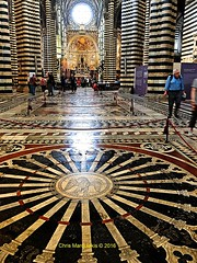 SIENA - IL DUOMO - THE INCREDIBLE FLOOR.  F2236 (Chris Maroulakis) Tags: chris colors floor cathedral mosaic tuscany fujifilm siena marble duomo x30 2016 maroulakis