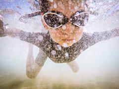 Nevermind (Luis Marina) Tags: sea summer portrait familia fun mar kid fiesta underwater nirvana nadar tribute nio sansalvador diversion bucear gopro socabarga