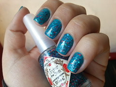 Under the Sea 02 (Vivi Kermeci) Tags: glitter indie havefun unhas underthesea capricho turquesa esmalte danyvianna