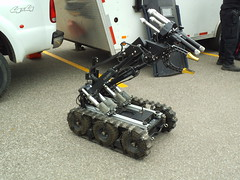 Bomb disposal robot (car show buff1) Tags: rescue ontario canada ford logo chief tahoe police victoria crest chevy dodge crown ladder squad incident ems charger pursuit commander caprice pumper ppv battalion halton f250