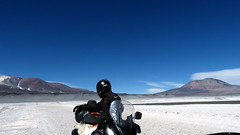 Riding on the moon... (Miradortigre) Tags: chile road ruta desert camino pass motorbike estrada paso atacama moto 650 desierto suzuki salar volcanes vstrom motorrad rodovia vulcanos pasodesanfrancisco