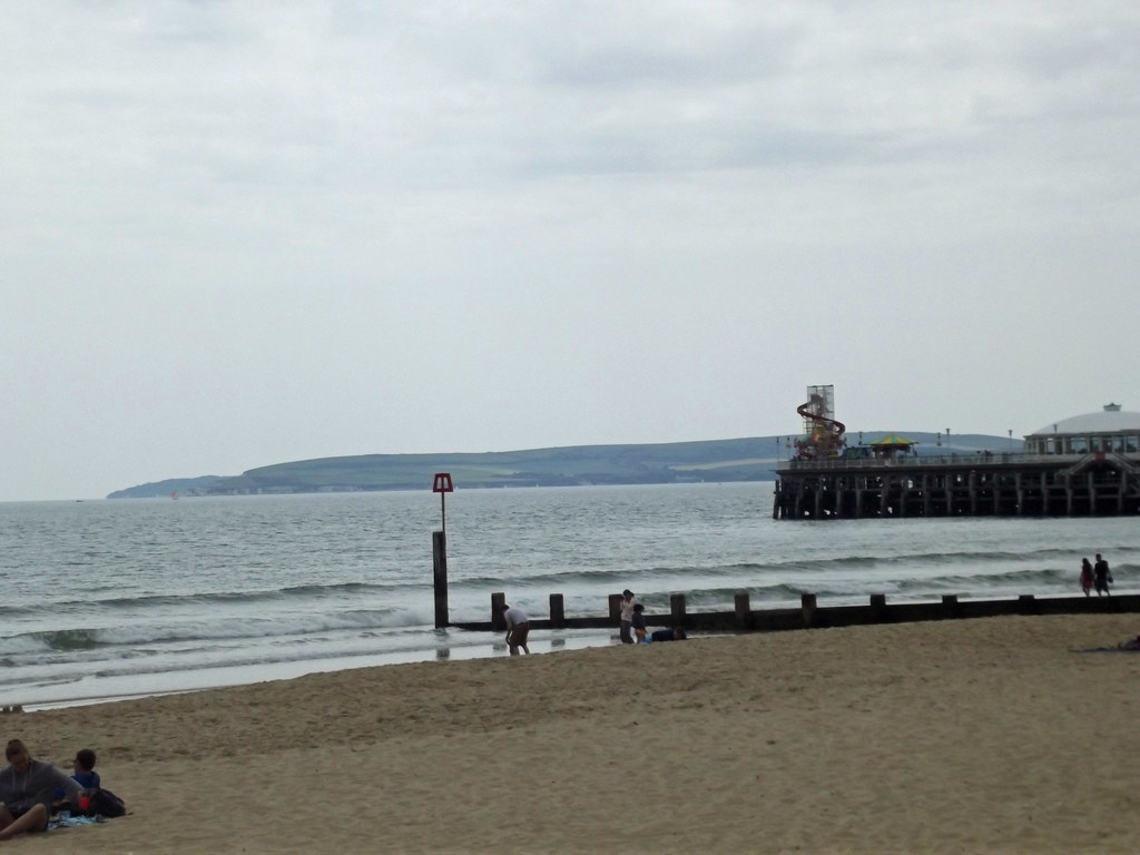 Bournemouth East Beach - Bournemouth Pier and distant cliffs