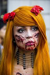 Zombie Walk ((c) Silviane Casemiro) Tags: brazil portrait orange color girl brasil zombie walk retrato sopaulo dos sp marcha zombiewalk zumbis