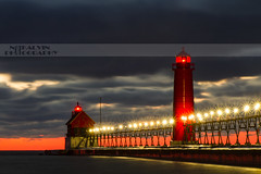 Grand Haven - All lit up (Notkalvin) Tags: longexposure sunset lighthouse cold beach night michigan lakemichigan le shore grandhaven reallycold uscg grandhavenlighthouse mikekline michaelkline notkalvin notkalvinphotography