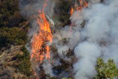Colby Fire (Trent Bell) Tags: california fire aircraft flames socal brushfire wildfire 2014 azusa glendora firefightingaircraft colbyfire