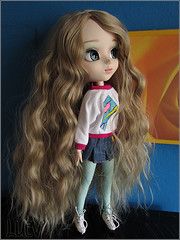 Alice (mertiuza) Tags: brown white canon hair is soft power shot alice wm powershot curly blond wig blonde classical 121 pullip 27 wavy dollmore leeke obitsu w121 rewig sx500 sx500is wm121