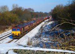 66097. (curly42) Tags: snow transport shed railway class66 doubleheaded murco haresfield 66097 6b13