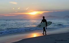 Rio de Janeiro (mariohowat) Tags: sunset sun riodejaneiro natureza pôrdosol barradatijuca praiadabarradatijuca mygearandme mygearandmepremium mygearandmebronze mygearandmesilver mygearandmegold mygearandmeplatinum mygearandmediamond