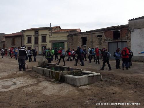 MARCHA-371-los-pueblos-abandonados-valle-de-aravalle-avila-senderismo (1)