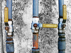 #464 (mr_doyoulike) Tags: pipes taps tubi gaspipes rubinetti gastaps tubidelgas rubinettidelgas