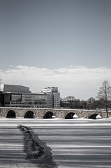 bridge of grey [explored] (Mange J) Tags: bridge winter sky bw white snow building tree ice water contrast river view pentax sweden crack clear explore karlstad klarälven ccc sverige värmland stonebridge 50mmf17 18000 pentaxian värmlandslän fotosondag magnusjakobsson k5ii fs150208 farglost