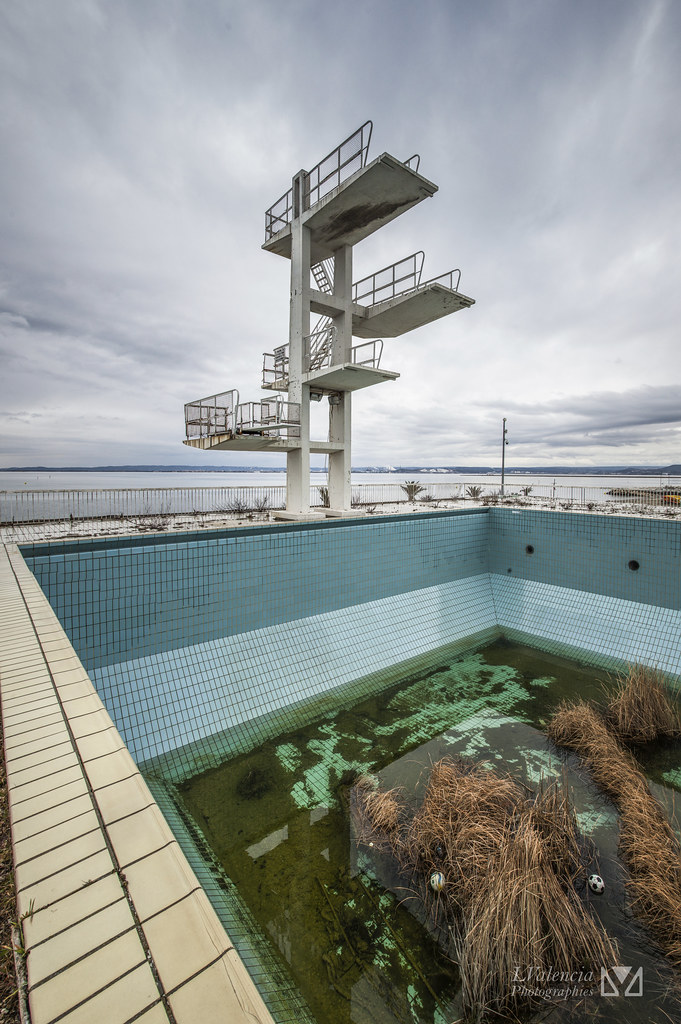 The world 39 s best photos of 7m50 flickr hive mind for Piscine marignane