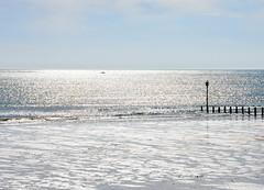 Silver morning sea (DavidWF2009) Tags: sea silver northumberland breakwater blyth blythbattery