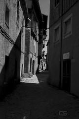 Street (Cristhian Satake Photography) Tags: street light shadow espaa sun luz espanha sombra contraste rua oldbuilding ruas vielas vilarejos