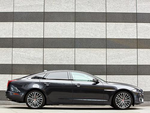 Jaguar XJ L Autobiography