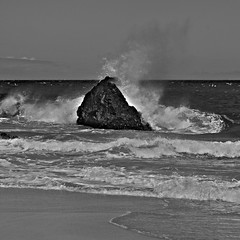 Kalalau Beach Wave - III (Anders Magnusson) Tags: ocean sea beach water monochrome hawaii blackwhite nikon rocks wave kauai splash kalalau andersmagnusson
