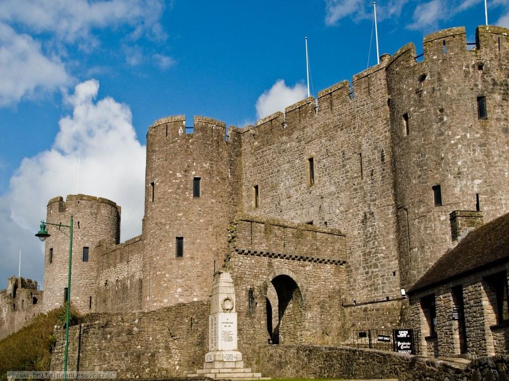 Lâu đài cổ kính nơi giam cầm tuổi trẻ của Will Traynor