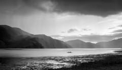 Loch Long - Scotland (- f i r s t l i g h t -) Tags: scotland loch long duich water sea lake clouds rain castle eilean donan highlands highlander braveheart james bond boat black white schwarz weiss macrae