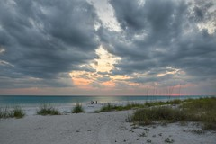 Blue Hour (And Hei) Tags: light sunset sea usa sun beach gulfofmexico clouds strand sunrise nikon meer florida wolken bluehour sonne blauestunde annamariaisland golfvonmexiko d3300