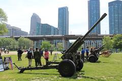 105mm C3 Howitzer (jmaxtours) Tags: toronto ontario gun fort artillery torontoontario ordnance howitzer canadianforces 105mmhowitzer fortyork historicfortyork fortyorktoronto artilleryday fortyorkartilleryday 105mmc3howitzer 18kmrange