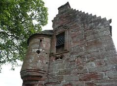 Edzell Castle (48) (arjayempee) Tags: edzellcastle angus forfarshire scotland castle towerhouse mounthpasses glenesk northesk lindsayofedzell earlofcrawford edzellcastlegardens stirlingofglenesk baronyofglenesk fortress courtyardcastle av6a548486stitch