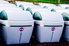 Batalln Basura (kukolas) Tags: contenedores burgo culleredo entorno