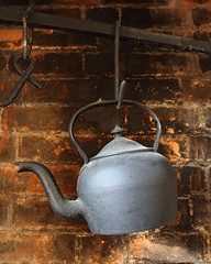 Put the kettle on (Treflyn) Tags: fireplace kettle uptonuponsevern