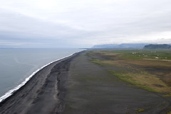 Kirkjufjara, Iceland (Tiphaine Rolland) Tags: black beach iceland nikon noir 1855mm 1855 plage islande 2016 dyrhólaey d3000 nikond3000 kirkjufjara