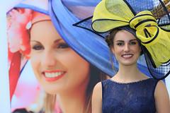 _F7A0866 - Un ans passe (Atypik Photographie) Tags: concours portrait femme lgance chapeau