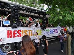LesboTruck - Résistance lesbienne (Jeanne Menjoulet) Tags: marchedesfiertés lgbt paris 2juillet2016 lesbiangaypride lesbiennes bi trans gaypride pride lesbotruck résistance lesbienne lbgt