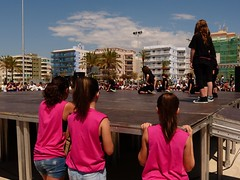 Da de la Danza (105) (calafellvalo) Tags: ballet girl youth dance fiesta child dancers danza folklore calafell tnzer nios tanz sitges baile flamenco garraf tanzen danser alegra roco juventud espectaculo danseurs costadorada calafellvalo rocieras esbarts danzadansabaileflamencoballetarmoniaolddancedancingbailarinas tanzmisik
