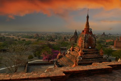 Red emotion (Tati@) Tags: sunset red tramonto emotion tetti roofs myanmar rosso pagodas bagan pagode emozion mygearandme mygearandmepremium mygearandmebronze vigilantphotographersunite vpu2 vpu3 vpu4 vpu5