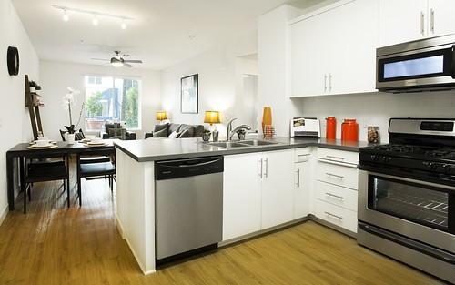 Alta Warner - Woodland Hills Apartments