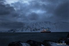 Hurtigruta i bltimen (Nadia Iren) Tags: winter snow norway vinter northern sn finnmark honningsvg mrketid hurtigruta magerya bltime