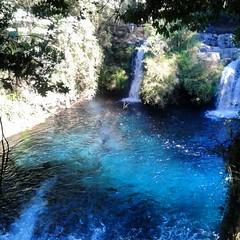 Ojos del Caburgua (Valealarconn) Tags: chile blue water waterfall paradise clear sur cascada araucania caburgua vision:outdoor=0789 vision:sky=0821