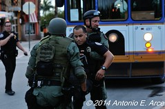 Active Shooter Drill (TONY ARCE-COML-HIALEAH) Tags: dogs police weapon guns perros weaponry communications policia radios k9 polcia comunicaciones entrenamiento treinamento armamento caninos interoperability caniles seguranapblica seguridadpublica interoperabilidad interoperabilidade operaesespeciais comunicaestticas
