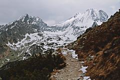 High Tatras   Hohe Tatra (Stefan (Bilderberge.de)) Tags: schnee wild mountain snow high outdoor hiking live natur slovensko slovakia wandern slowakei tatry tatras poprad tatra hohe gebirge pfad mointains wanderwege hochgebirge