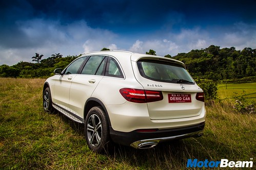 2016-Mercedes-Benz-GLC-5