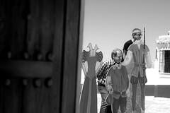 Quijote & Sancho (Fernriz Rochester) Tags: plaza people bw white black blanco blackwhite nikon gente quijote memories windmills bn molino wait campo amateur antiguo molinos sancho blanconegro mancha aprender criptana aprendiendo monocromtico nikond3300 d3300